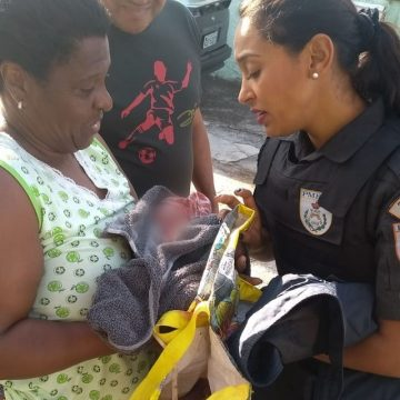 Recém-nascido é encontrado debaixo de carro em São Gonçalo, RJ