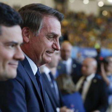 Em meio à interferência na PF e incerteza no Coaf, Moro encontra Bolsonaro