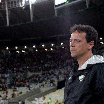 Fernando Diniz não é mais o técnico do Fluminense