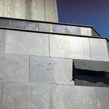Cristo Redentor reabre após ventania que derrubou placa da base do monumento