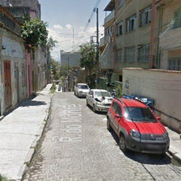 Mulher é encontrada morta com sinais de facadas no Centro do Rio