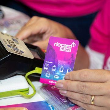 Barcas tem validadores atualizados e deixam de aceitar cartões antigos Usuários devem trocar para o nove modelo Riocard Mais