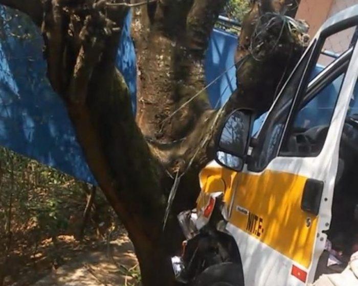 RIO DE JANEIRO Acidente com van perto de creche deixa crianças feridas na Zona Norte