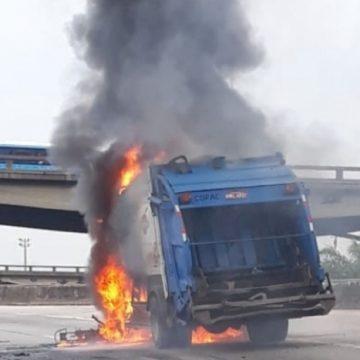 Incêndio em caminhão interdita acesso para Ponte Rio-Niterói