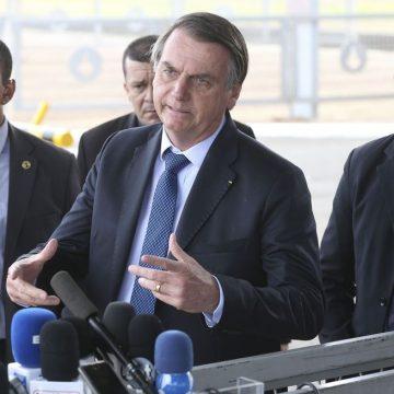 'Um dos dois ou os dois perderão a cabeça', diz Bolsonaro sobre presidente da ABDI e secretário do ministério da Economia