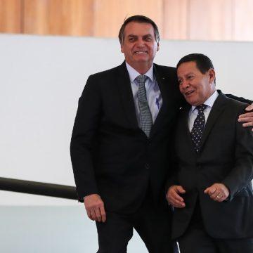 Bolsonaro não passará cargo ao vice-presidente Hamilton Mourão antes de cirurgia