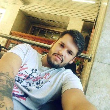 Justiça autoriza exumação de corpo de detento encontrado morto em cela de delegacia no Rio