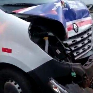 Acidente entre sete veículos deixa feridos na Linha Vermelha