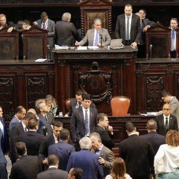 Alerj decide tirar da cadeia cinco deputados estaduais acusados de corrupção