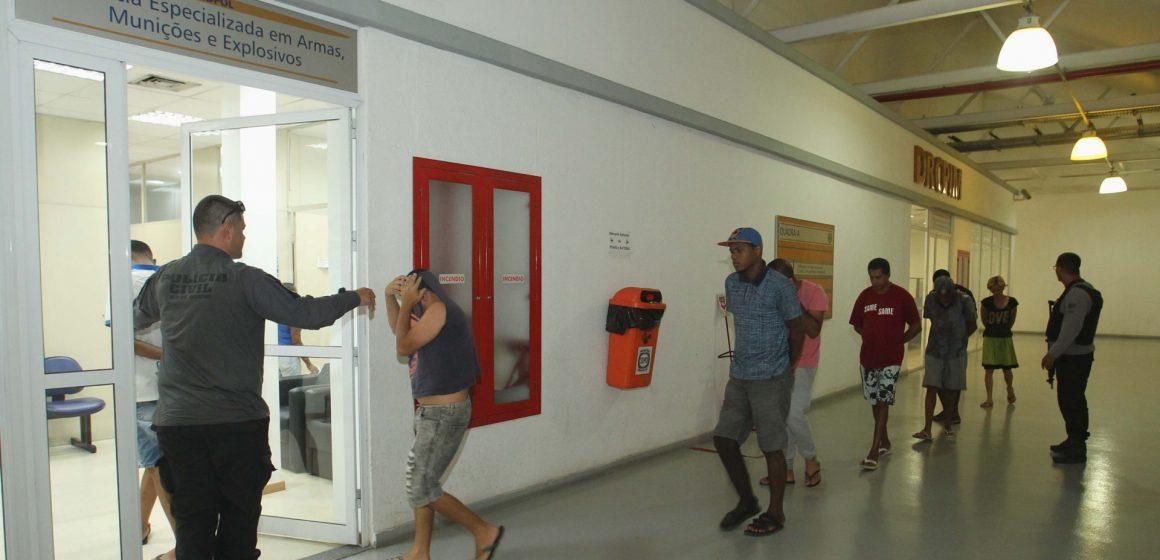 Polícia faz operação contra roubos em Duque de Caxias