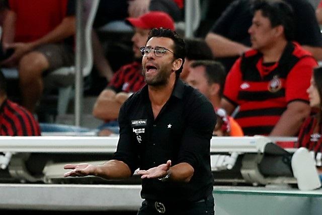 Números negativos de Valentim e do returno preocupam o Botafogo na reta final do Brasileirão