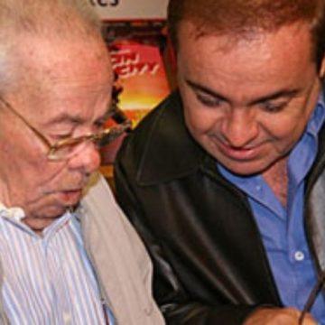 Após 10 anos, Gugu Liberato é enterrado no mesmo dia que o pai