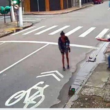 Homem mata a tiros moradora de rua após ela pedir esmola no Centro de Niterói, RJ