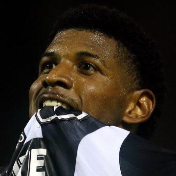 """Do pesadelo ao sonho, Rhuan faz primeiro gol pelo Botafogo: """"Agora é só alegria"""""""