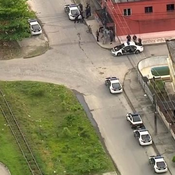Polícia faz operação contra traficantes que fazem roubos para expandir domínios na Baixada
