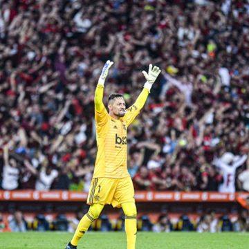 Diego Alves escreve carta à torcida do Flamengo antes da decisão: ''É o maior time do mundo''