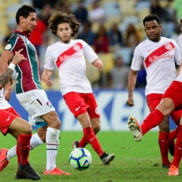 """Fluminense enfrenta o Inter visando fugir da """"Zona da Confusão"""""""