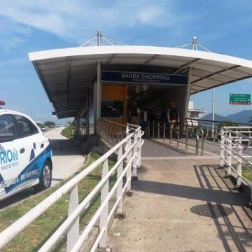 Homem é preso por ejacular em passageira dentro de BRT na Barra