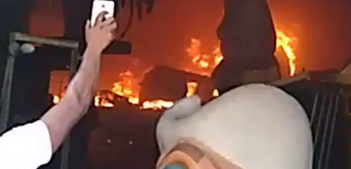 Princípio de incêndio atinge galpão da Império Serrano