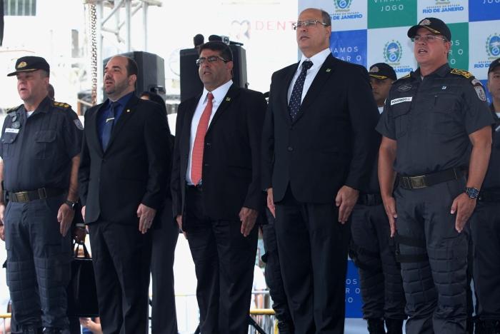 Witzel participa de posse de novos PMs e garante décimo terceiro em 2 de dezembro