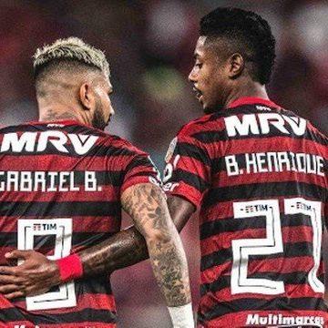 Bruno Henrique e Gabigol disputam prêmio de melhor da Libertadores com dupla do River
