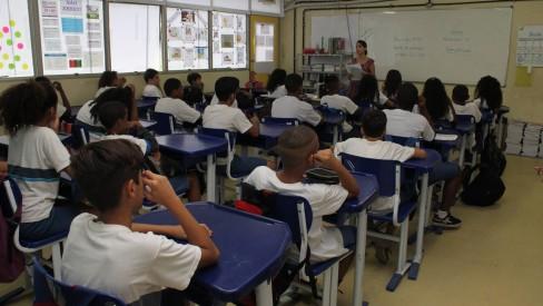 WhatsApp criado para receber denúncias sobre problemas em escolas públicas recebe dez queixas no primeiro dia