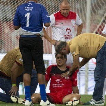 Jogo das Estrelas: Petkovic fratura duas costelas em disputa de bola