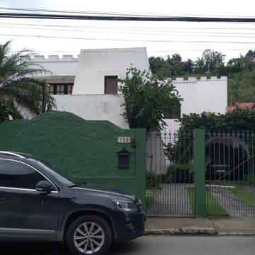 Após ser solto, Pezão passa a manhã em casa, em Piraí, no RJ