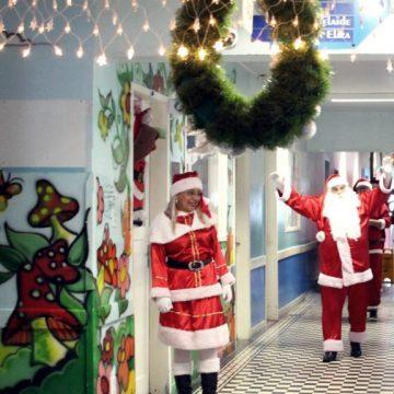 Véspera de Natal tem ceias solidárias e visita de Papai Noel a hospitais do Rio
