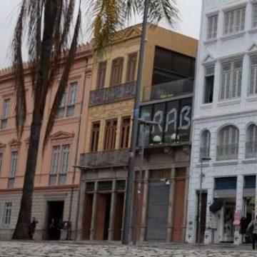 Centro cultural na Praça Tiradentes recebe mostra feita por jovens do subúrbio