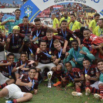 Flamengo projeta 2020 com Sub-20 na Taça GB e avalia pré-temporada fora do Ninho