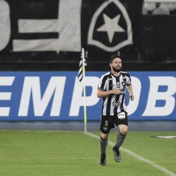 João Paulo, do Botafogo, tem sondagens do Besiktas, da Turquia, e do futebol norte-americano