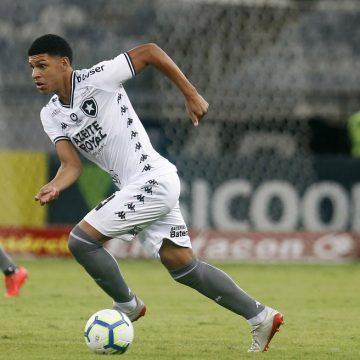 Joia do Botafogo, atacante chama atenção aos 17 anos e entra no radar do Bayern de Munique