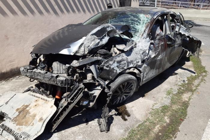 Jovens mortos em acidente na Linha Amarela são velados na Zona Oeste
