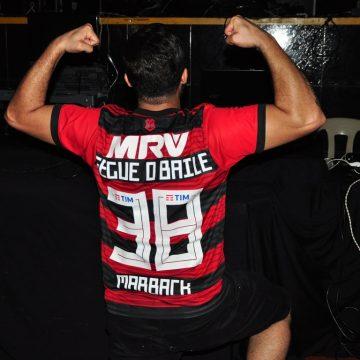 GRÁTIS: Mackenzie transmite Flamengo X Liverpool no telão, com muita 'gelada', e animação de DJ