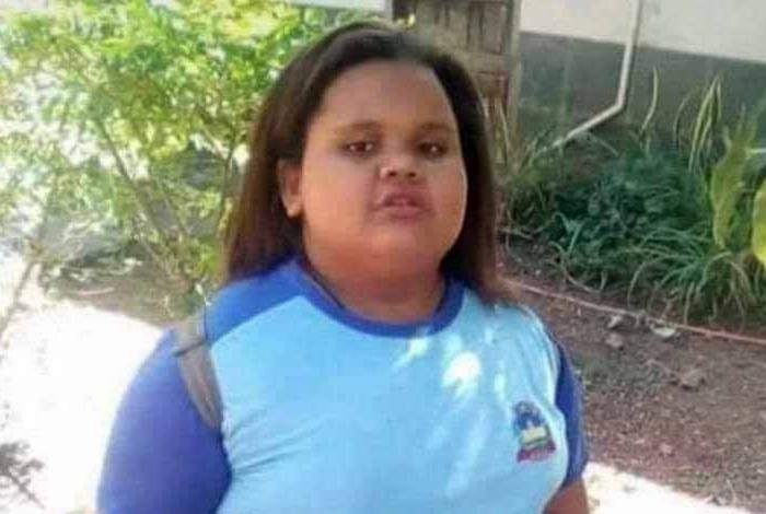 Menina de 10 anos morre engasgada após engolir pirulito