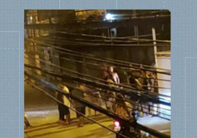 Mulher de 65 anos morre vítima de bala perdida em São Gonçalo, RJ