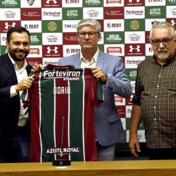 """Odair celebra volta ao Fluminense, rebate rótulos e faz apelo a Allan e Caio Henrique: """"Que fiquem"""""""