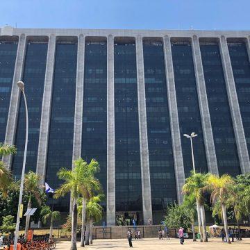 Pagamento da segunda parcela do 13º salário dos servidores municipais está suspenso