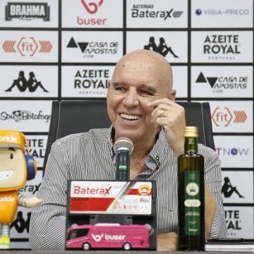 Preço acessível, serviços prestados e DNA alvinegro: fatores que pesaram para o Botafogo escolher Espinosa