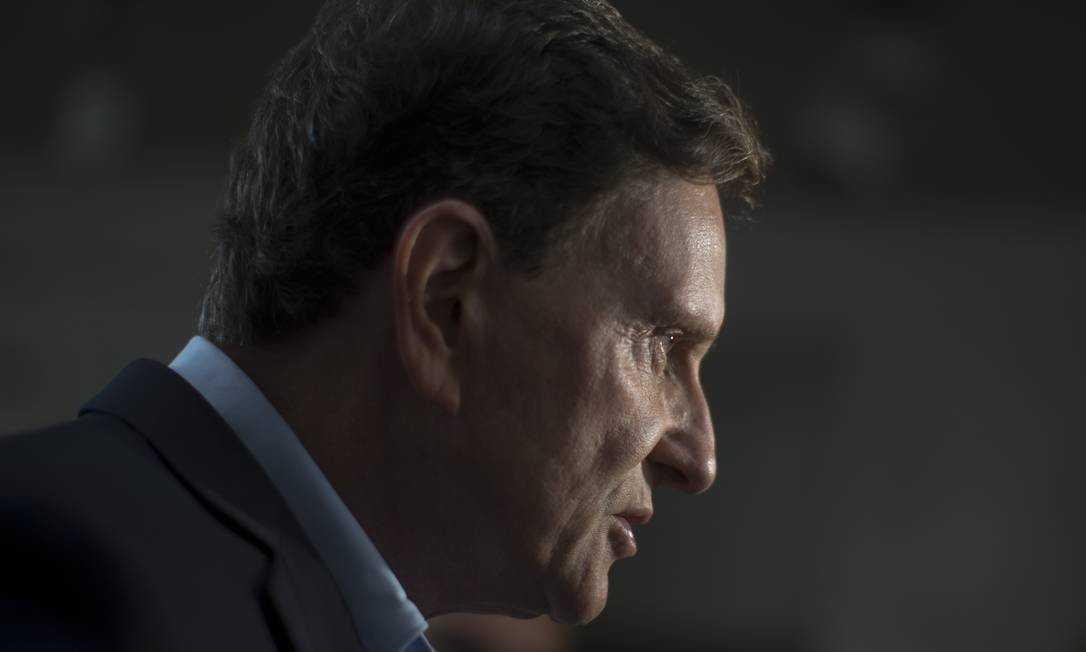 Prefeitura começa a pagar 13º de servidores que ganham até R$ 3 mil e garis do Rio