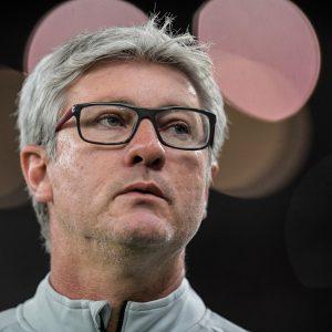 Promessa de salários em dia e acerto a jato no aperto de mão: os bastidores do sim de Odair Hellmann ao Fluminense
