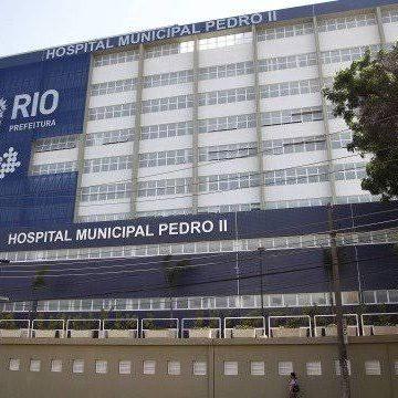 Sem salário, funcionários da saúde do Hospital Pedro II recebem doações