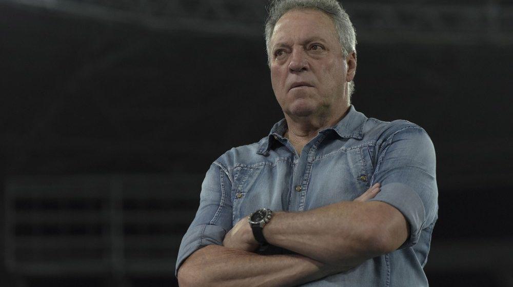 Vasco faz contato com Abel Braga para o cargo de treinador após perder Vanderlei Luxemburgo