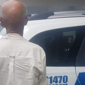 'Vovô do tráfico' é preso depois de tropeçar em sacola com drogas e cair