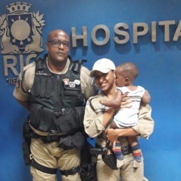 Guardas municipais salvam bebê que engoliu tampa de refrigerante em Santa Cruz