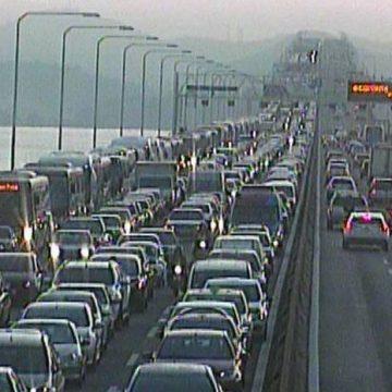 RJ: motoristas enfrentam lentidão em rodovias neste sábado