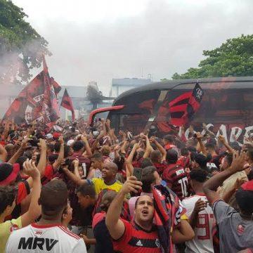 Torcedores prometem tomar ruas do Rio para embarque do Flamengo rumo ao Catar