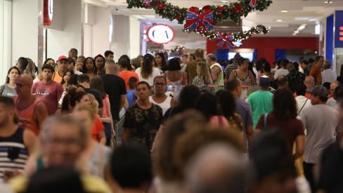 Confira os horários de bancos, shoppings e mercados em 31 de dezembro e 1º de janeiro