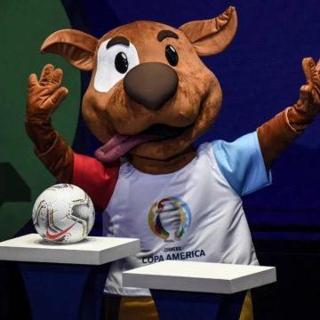 Vira-lata caramelo é escolhido como mascote da Copa América 2020